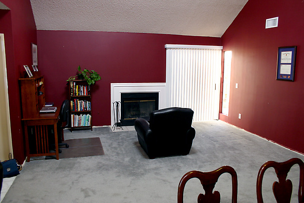 hccor204-before-living-room_w609.jpg